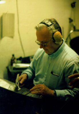 Prof Uwe Hansen PANArt Hangbau SA