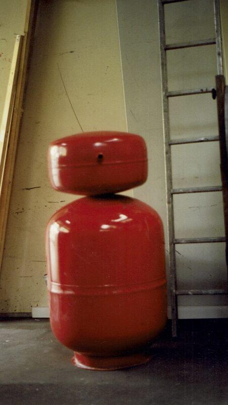 Ueberdruckgefaesse vor Werkstatt 1994 PANArt Hangbau AG